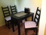 Feriennwohnung Freising Küche mit Essbereich für bis zu 4 Personen